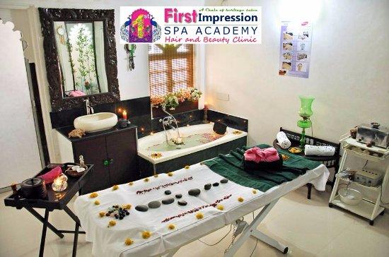 Bridal Makeup in Udaipur by Expert Makeup Artist FirstImpression